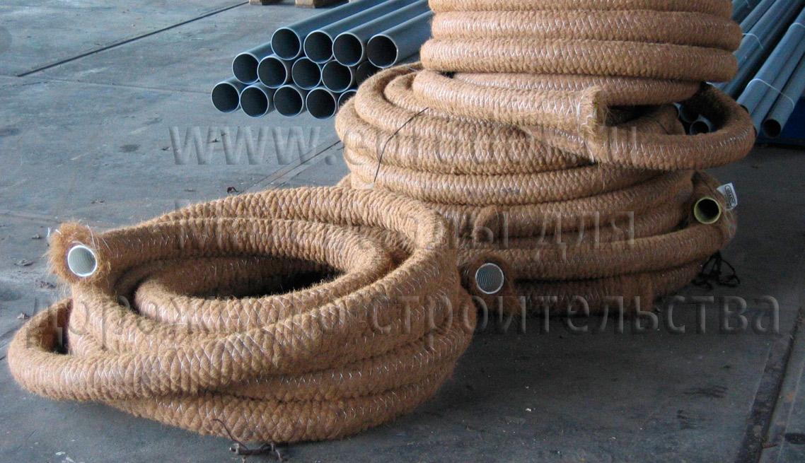 Дренажные трубы в фильтре кокосовая койра