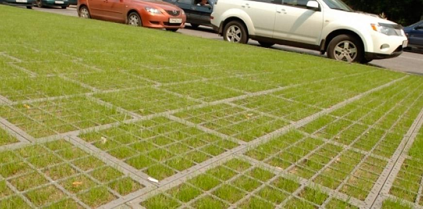 На проспекте Стачек появятся зеленые парковки